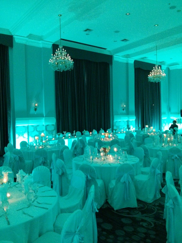 Embassy Suites Portland Uplight Uplighting Queen Marie Ballroom LED Wireless Vividlite